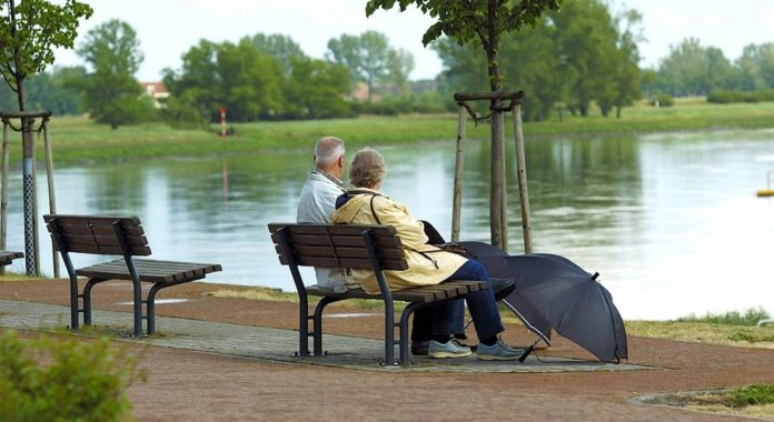 5 Reasons Monsoon Is The WORST Season For Elders- How You Can Help Them Cope Better!