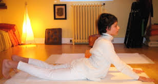 How does yoga aid in slipped disc recovery?