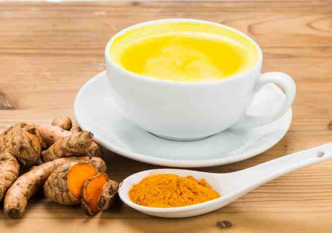 Turmeric milk for the winters