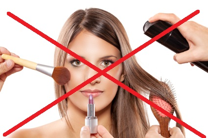 WHY YOU SHOULD CONSIDER GIVING MAKE-UP A MISS