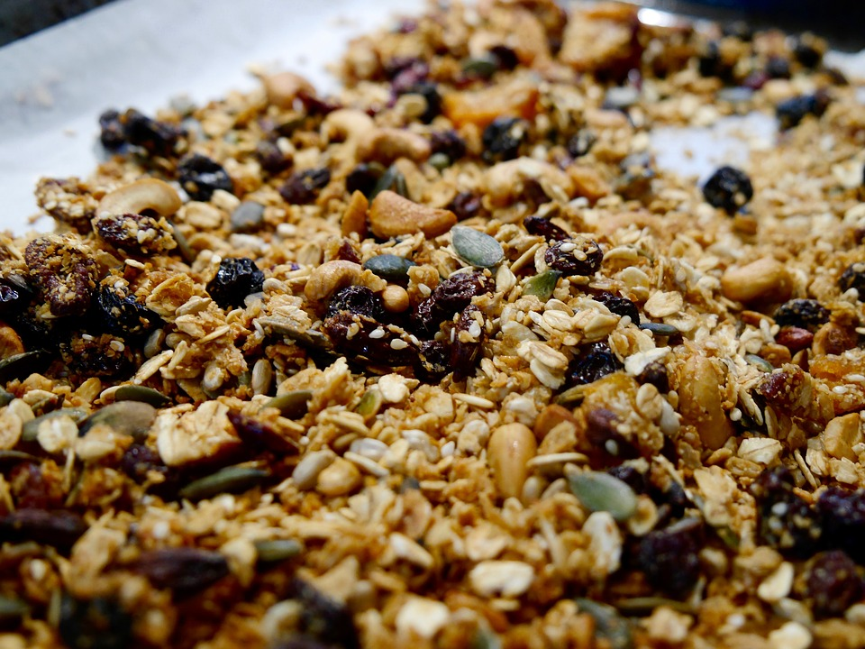 7 Health benefits of eating granola