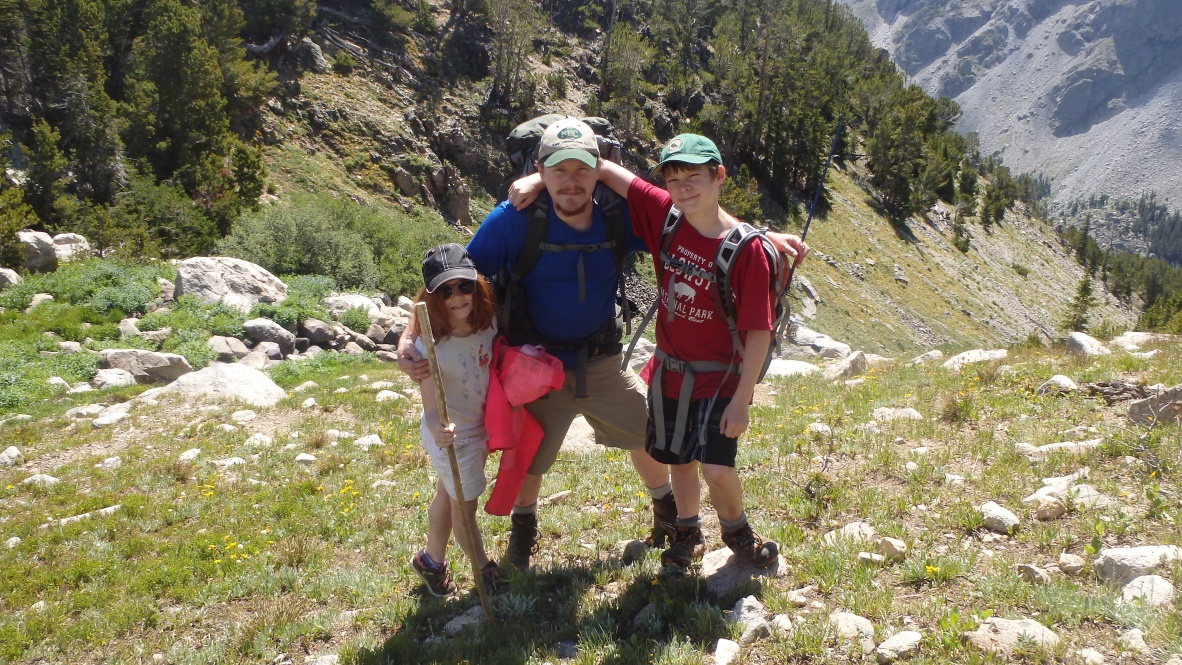 Medical Advantages of Hiking for Adults and Kids